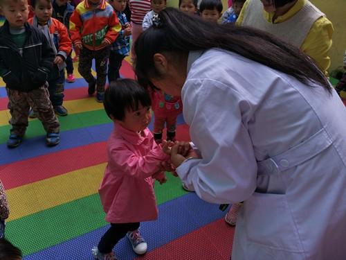 海口中心卫生院对幼儿园手足口病的宣教及督查工作