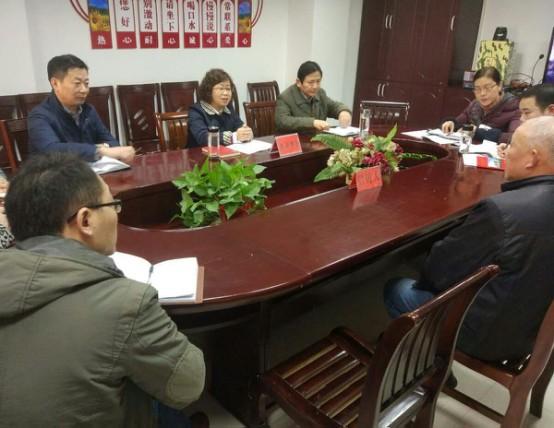 王爱武在区信访局公开接待信访群众